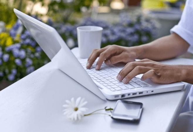 Cộng tác viên viết bài cho người đam mê viết lách