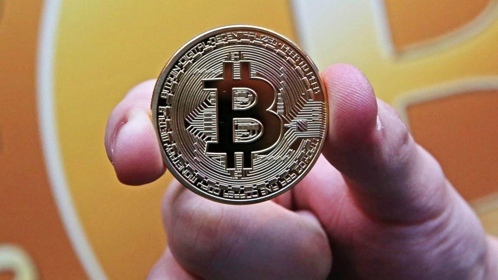 Satoshi Nakamoto mang Bitcoin đến với thị trường