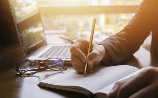 Trở thành nhà văn tự do