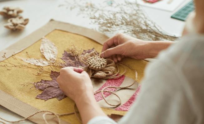 Đan len, thêu thùa và làm đồ handmade